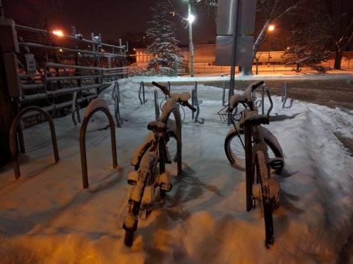 Sepeda aja bisa berdua dalam kesepian #eaaa