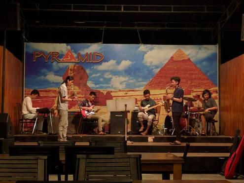 PakJay ngejam di Etawa Jazz Club